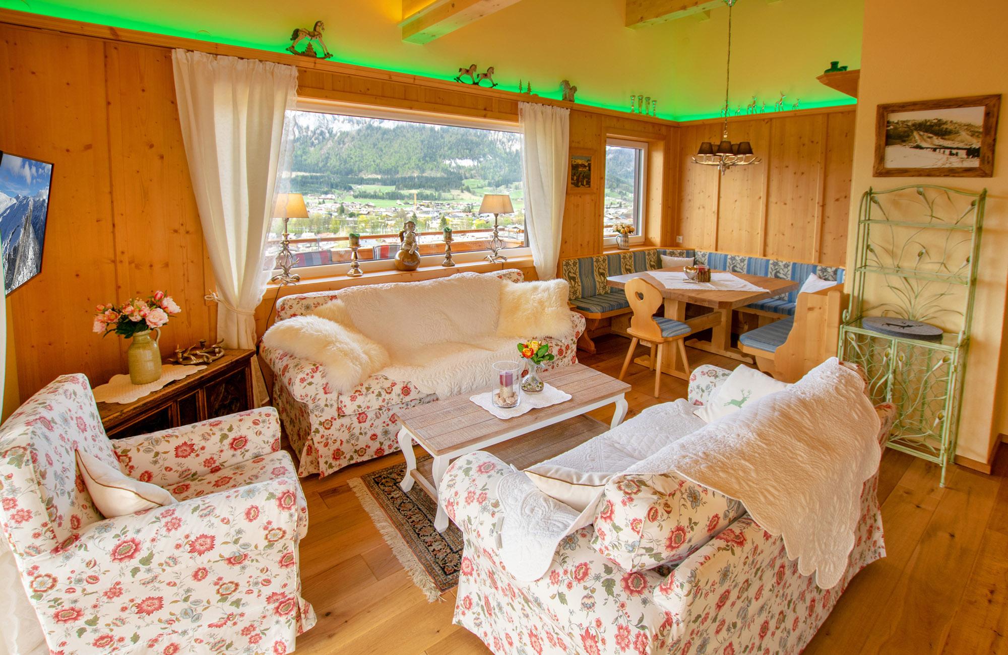Luxus Penthouse Ferienwohnung mit Ausblick zum Wilder Kaiser 17