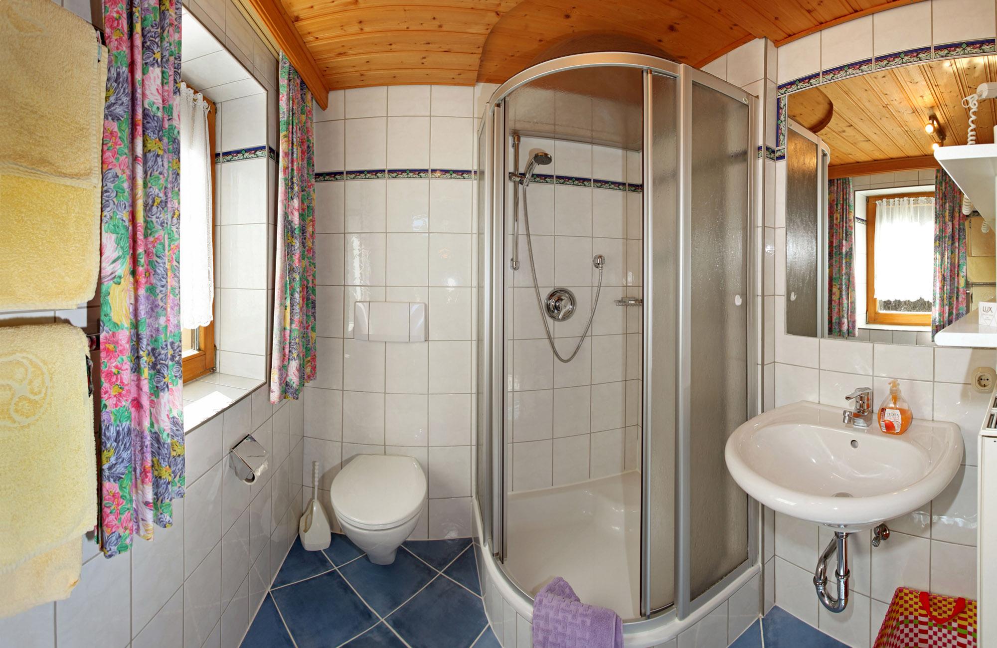 Preiswerte Ferienwohnungen in St. Johann in Tirol mit Ausblick zum Wilder Kaiser und Süd Balkon 6