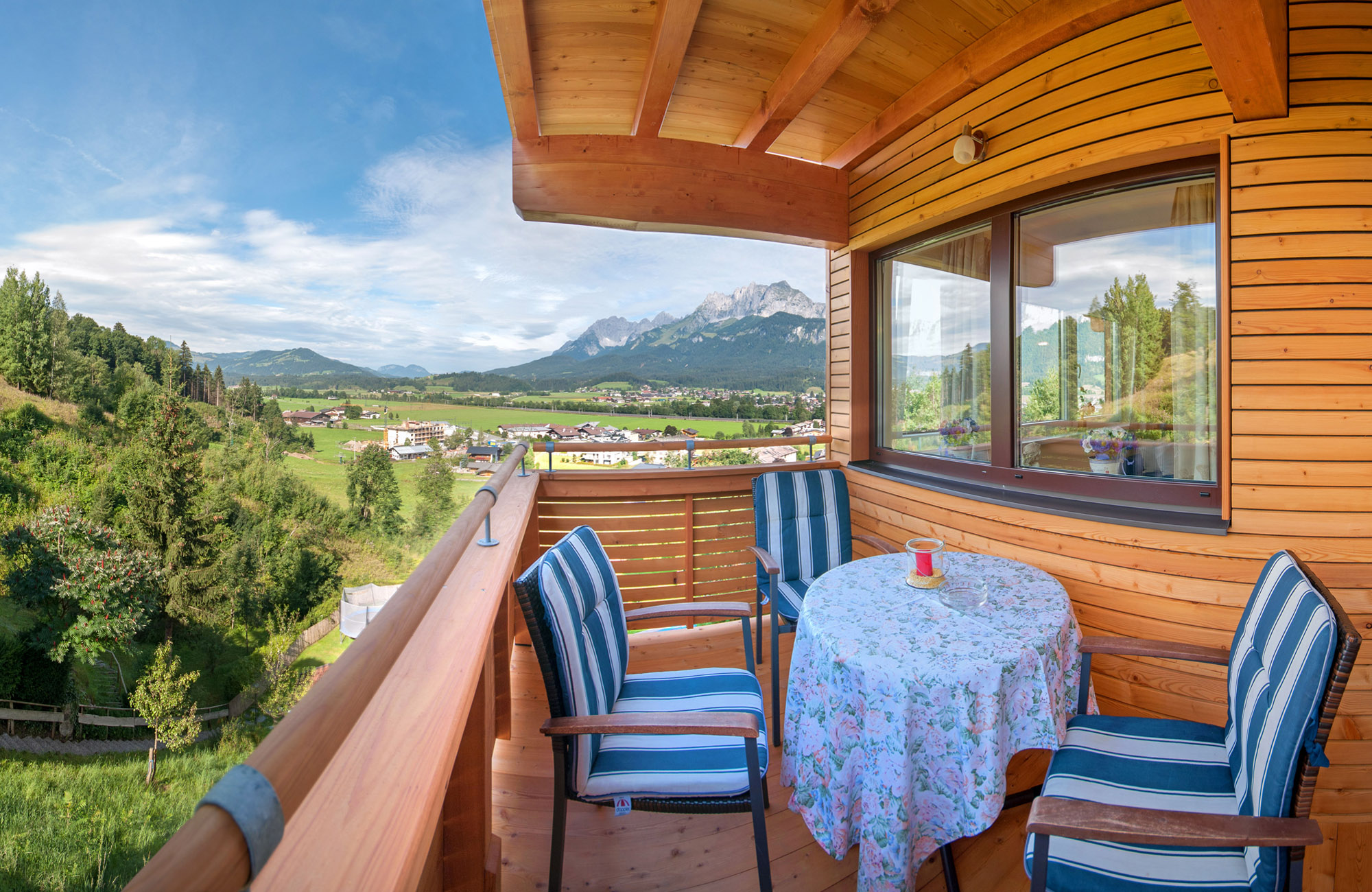 Preiswerte Ferienwohnungen in St. Johann in Tirol mit Ausblick zum Wilder Kaiser und Süd Balkon 1