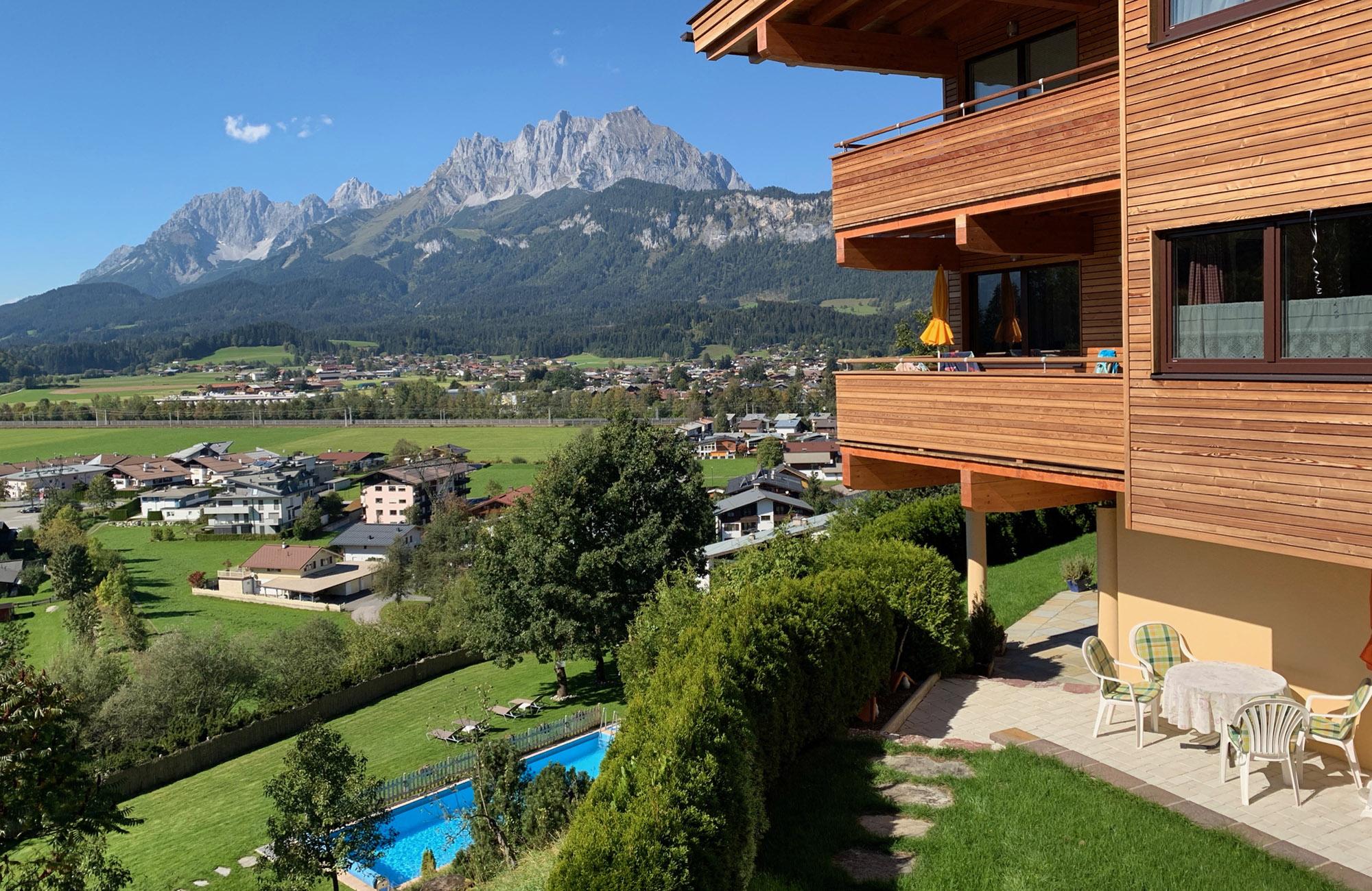 Preiswerte Ferienwohnungen in St. Johann in Tirol mit Ausblick zum Wilder Kaiser und Süd Balkon 4