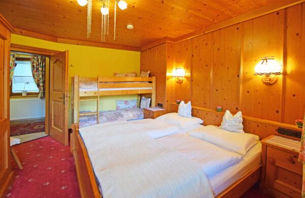 Familienfreundliche Ferienwohnung am Kitzbüheler Horn mit Panoramablick direkt an der Skipiste 1
